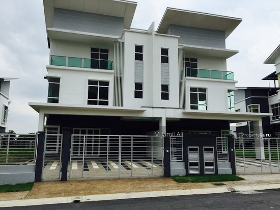 2.5 Sty Semi-D, Sentosa Heights Kajang  105553577