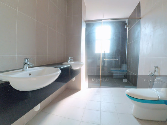 2.5 Sty Semi-D, Sentosa Heights Kajang Master Bathroom 112900853