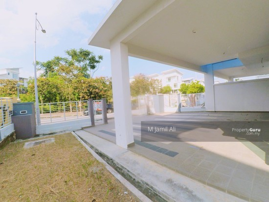 2.5 Sty Semi-D, Sentosa Heights Kajang Car Porch Facing Playground 126215035