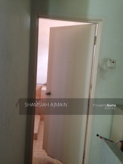 Bungalow at Kota Damansara  89826536