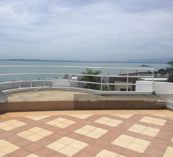 3 Storey Terrace House @ Mount Pleasure  102799763