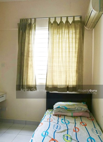 E-Tiara Serviced Apartment Bedroom 102645404