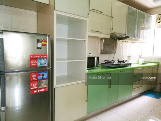 E-Tiara Serviced Apartment Kitchen 102645710