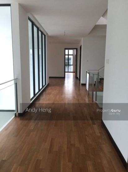Straits View Residences  104413649