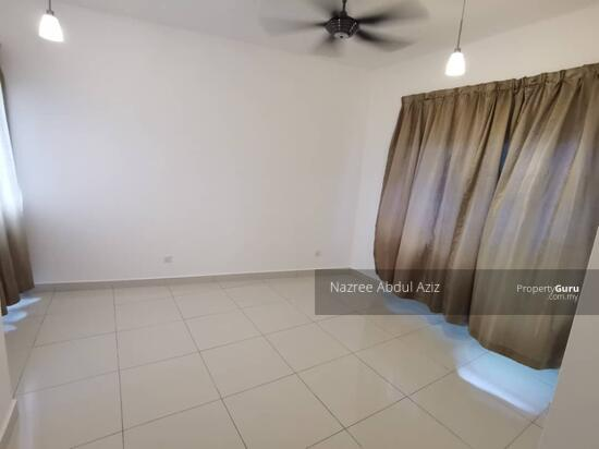 Mirage By The Lake  151348207