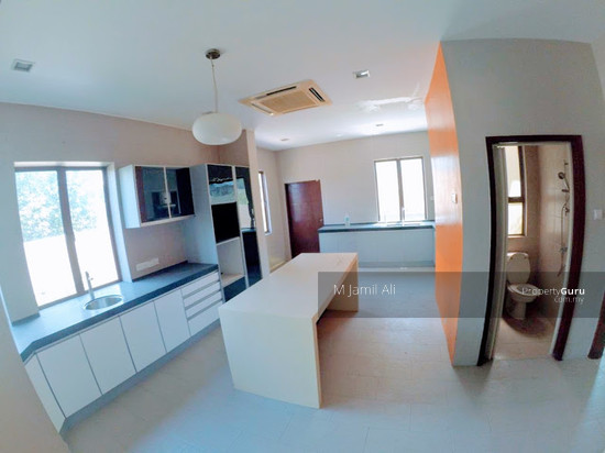 Bungalow With Land Banyan Close Bukit Mahkota, Kajang Kitchen area 111400499