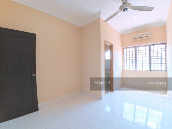 Section 8 Bandar Baru Bangi Third Bedroom 130376549
