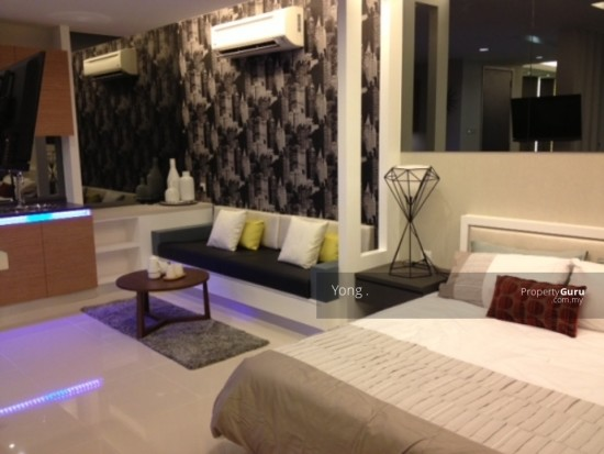 Free Furnished,Freehold luxury condo, Near Ktm ,MRT ,Best for Own Stay  129615912