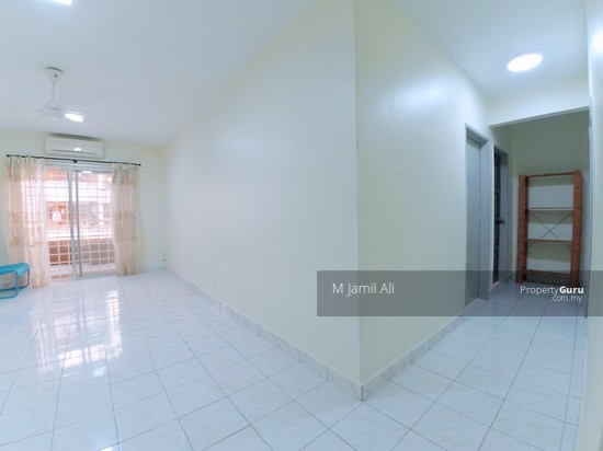 Idaman Sutera Condominium Living and Dining Area 120717443