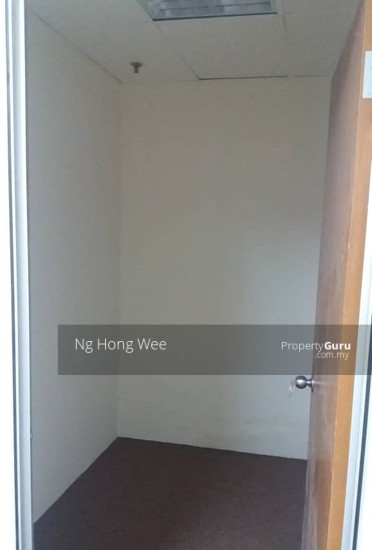 [600 sq.ft] Partly Furnished Leisure Commerce Square office, Bandar Sunway  139364995