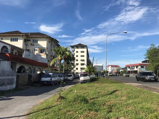 0.55 Acres Land (999 Title) at Central Road Kuching   123127274