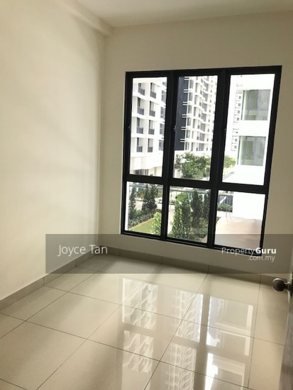 KL Traders Square Residences  126856316