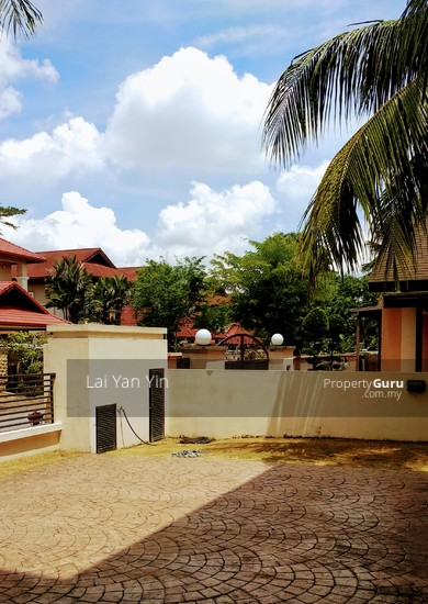 Tropicana - 2 Storey Bungalow with Spectacular Golf View  127333800