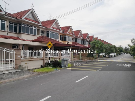 Double Storey Terrace No xx Jalan Universiti 9 Taman Universiti 86400 Parit Raja  Johor   129586575