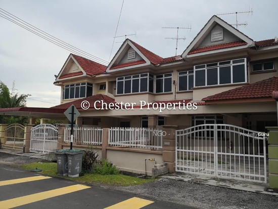 Double Storey Terrace No xx Jalan Universiti 9 Taman Universiti 86400 Parit Raja  Johor   129586581