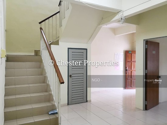 Double Storey Terrace No xx Jalan Universiti 9 Taman Universiti 86400 Parit Raja  Johor   129586590