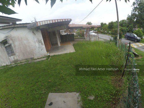 [ CORNER LOT ] Single Storey Seksyen 2 Bandar Baru Bangi [ HUGE LAND ]  129634759
