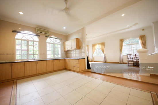 Putrajaya ,Beverly Row Bungalow  with Pool  130775537