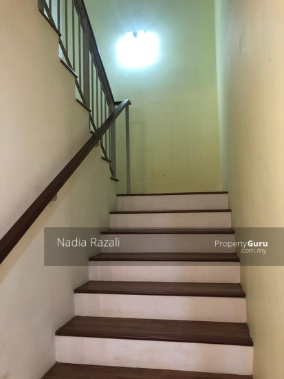 RENOVATED 2-Storey Terrace House Intermediate (Type Spira), Alam Impian, Shah Alam  130976196