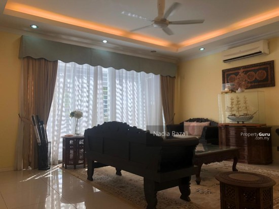 RENOVATED 2-Storey Terrace House Intermediate (Type Spira), Alam Impian, Shah Alam  130976204