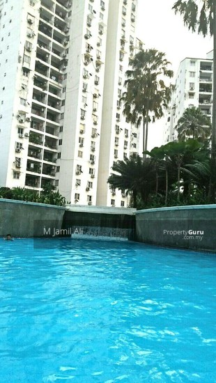 A RENOVATED 3 BEDROOM APARTMENT @ PANTAI HILL PARK PHASE 2  132567949