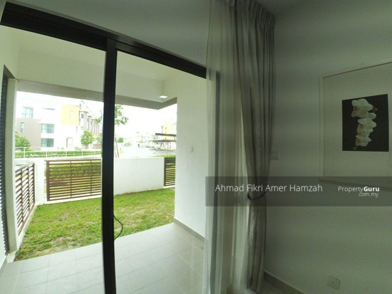 [ 2R2B ] Townhouse At Kota Seriemas [ FOR INVESTMENT ] [ AIRBNB ] [ KLIA ]  132960850