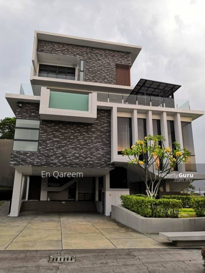3 Storey Bungalow Exclusive Corner Lot Setia Alam. Shah ALam. Brand New with ID and Private Pool  133710179