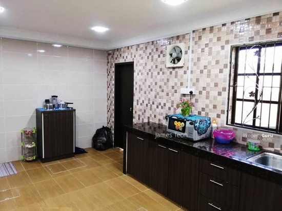 TAMAN PETALING INDAH , TAMAN CHI LIUNG , 1 STY FULLY RENOVATED , MOVE IN CONDITION   134787445