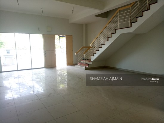 Double Storey Terrace At Puncak Saujana Section 4, Kajang  135839468