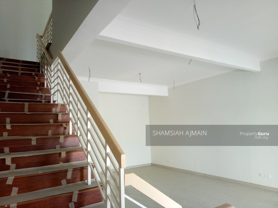 Double Storey Terrace At Puncak Saujana Section 4, Kajang  135839504