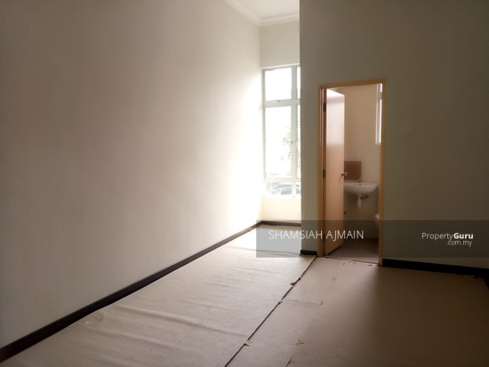 Double Storey Terrace At Puncak Saujana Section 4, Kajang  135839518