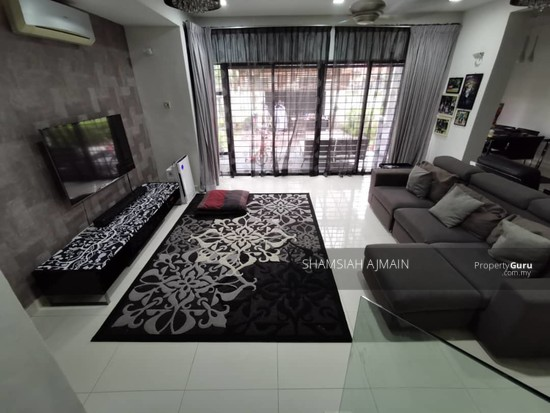 Double Storey Corner Unit at Subang Bestari, Section U5  135876095