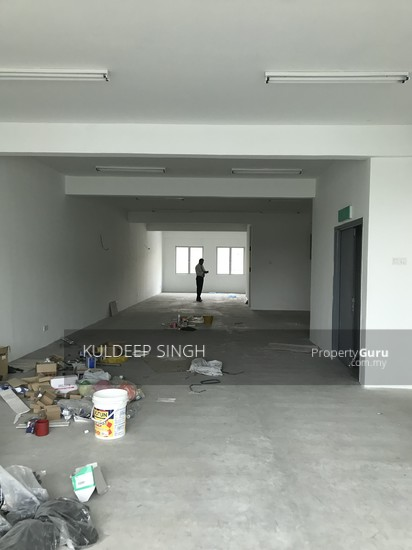 5 storey industrial building in Sg. Besi KL  136857689