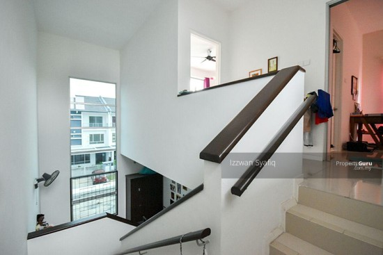 Beautiful Renovated 3 Storey Superlink (Corner Lot), Fairfield Residence, Tropicana Heights Kajang  138216462