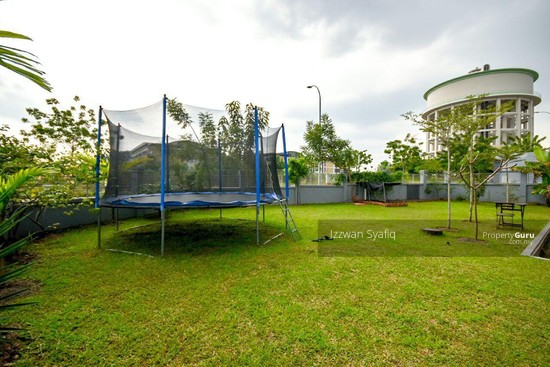 Beautiful Renovated 3 Storey Superlink (Corner Lot), Fairfield Residence, Tropicana Heights Kajang  138216486