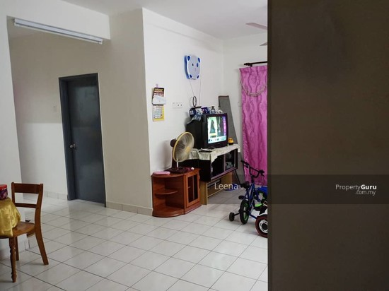 Sri Putra Apartment @ Sungai Buloh  139831986