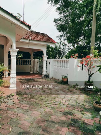 CORNER LOT Double Storey Sri Sedeli Taman Sri Andalas Klang RENOVATED & SEMI FURNISHED  140229282