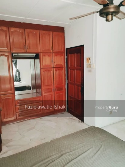 CORNER LOT Double Storey Sri Sedeli Taman Sri Andalas Klang RENOVATED & SEMI FURNISHED  140229296
