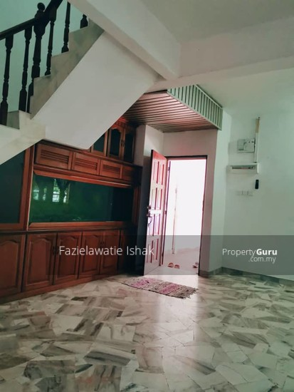 CORNER LOT Double Storey Sri Sedeli Taman Sri Andalas Klang RENOVATED & SEMI FURNISHED  140229321