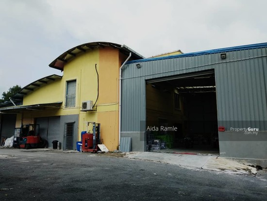 1.5 storey corner lot semi-D factory/warehouse with office space @ Bandar Baru Bangi  140308154