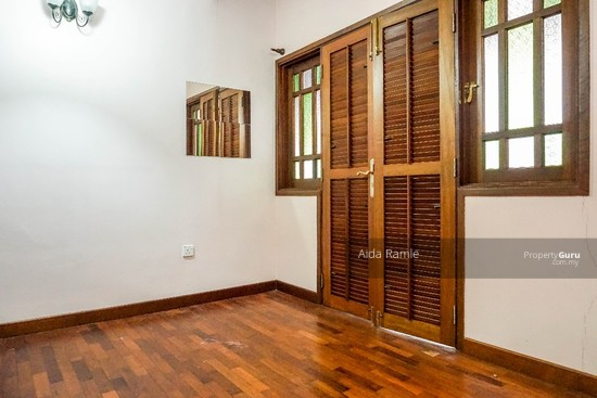 Fully renovated five bedrooms end lot double storey @ Taman Ehsan, Kepong  141179979