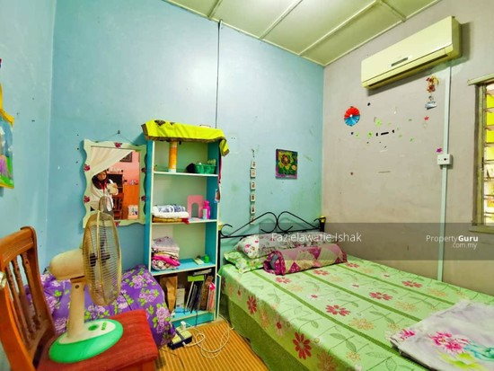 1.5 Storey Taman Impian Putra, Bandar Sri Putra Bangi [END LOT & RENOVATED]  141848664