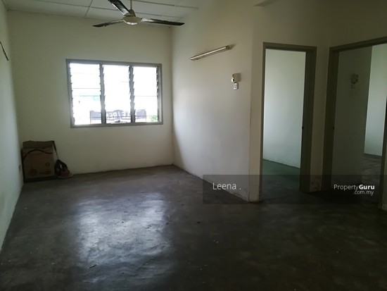LOW COST FLAT SRI PUTRA BLOCK C  142489752