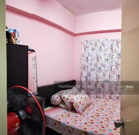 SECOND FLOOR Apartment Centre Point Selayang  142715886