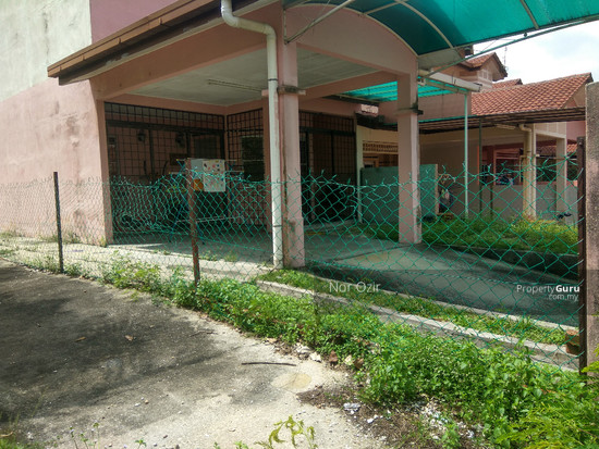 END LOT DOUBLE STOREY EXTRA LAND SUBANG IMPIAN U10  144940258