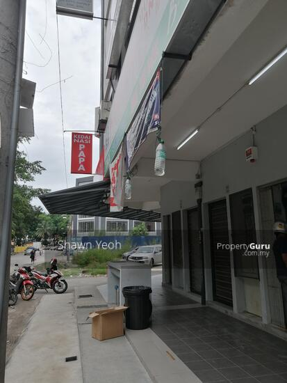 3rd storey shop lot Phase 1 Maverus for rent  147251452