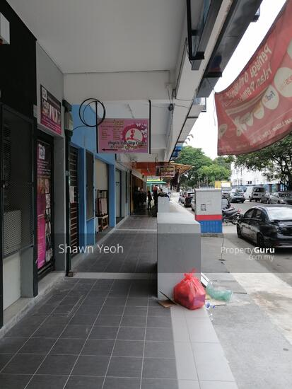 3rd storey shop lot Phase 1 Maverus for rent  147251453