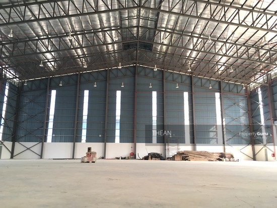 BUKIT JELUTONG, SHAH ALAM SECTION U16 NEW HIGH SPECIFICATIONS FACTORY  147483196