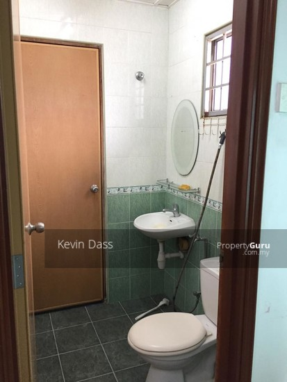 DOUBLE STOREY CORNER HOUSE IN PUCHONG UTAMA FOR SALE  148414727