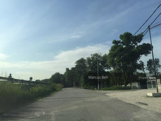 Industrial Zoning Land ( Ready to use ) @ Monterez Golf Club Kg Subang  152207402
